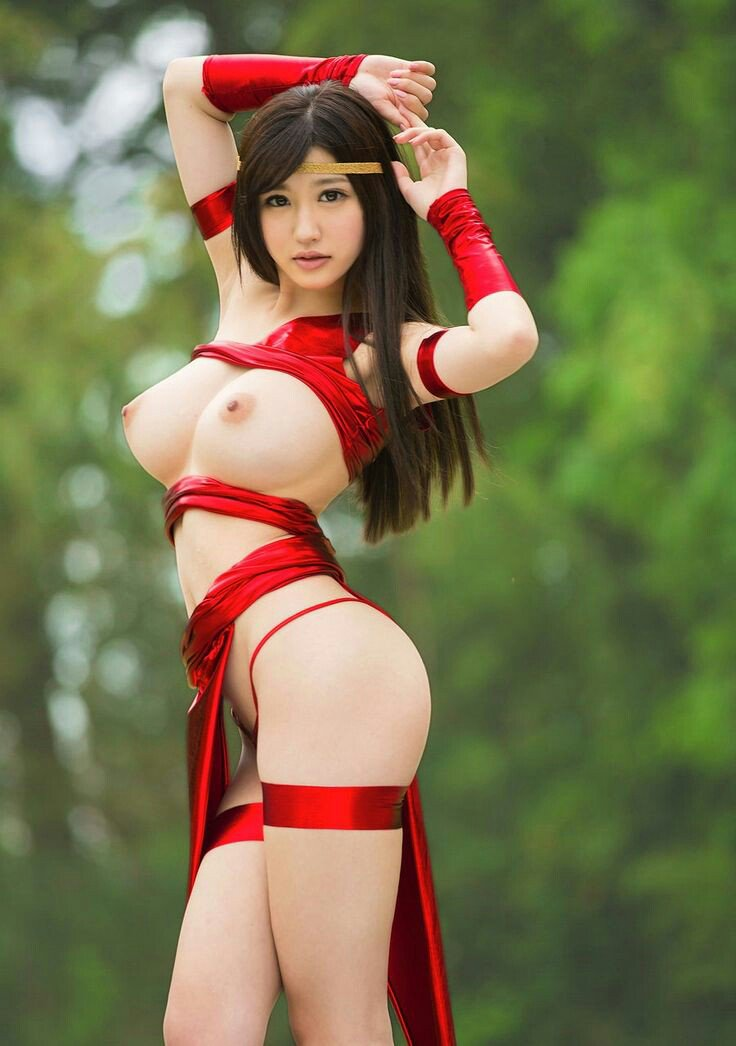 naked-girls-in-slutty-cosplay