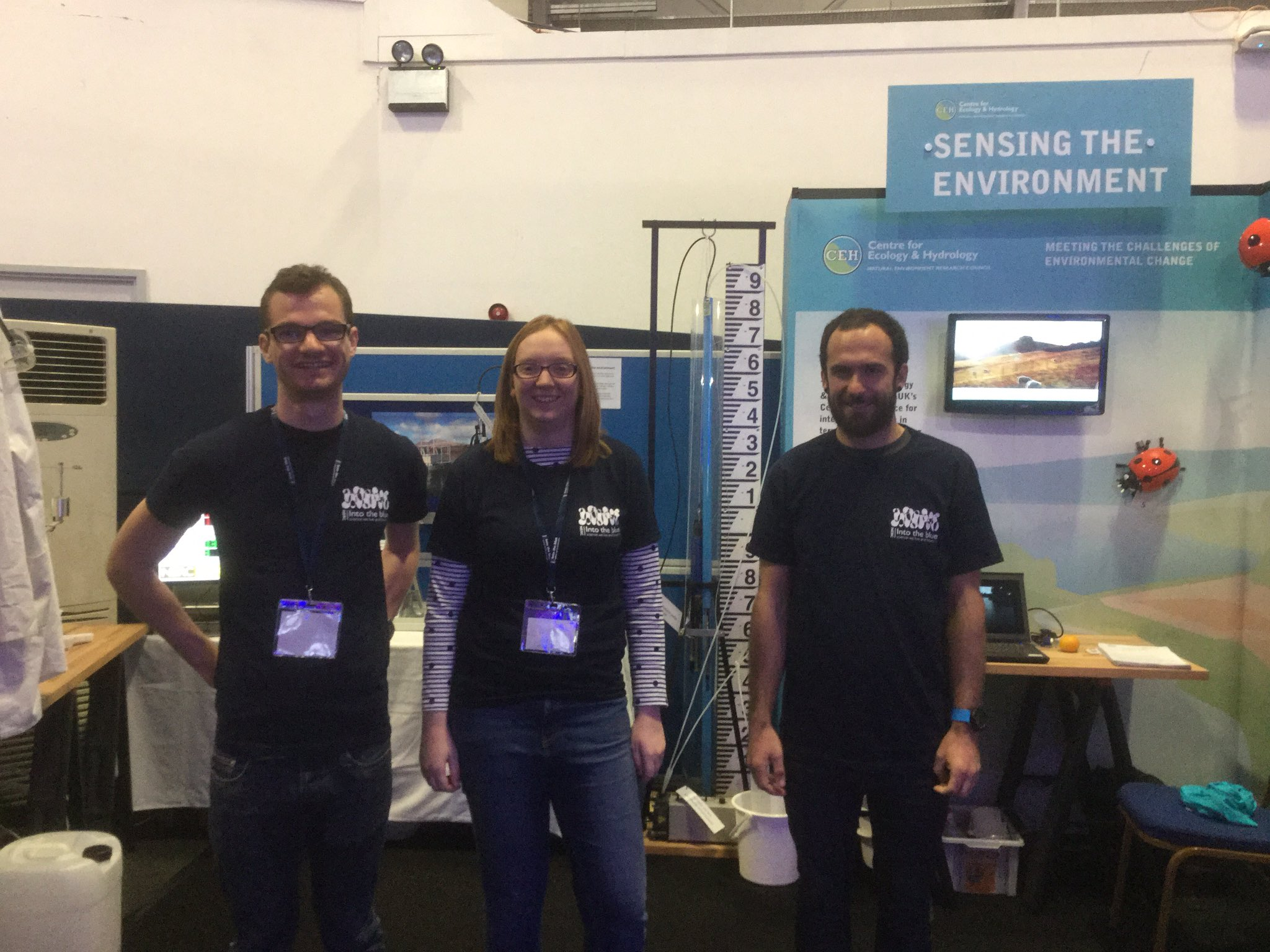 'Sensing the Environment'  team @CEHScienceNews open for business, day 3 #nercintotheblue looking forward to hoards of visitors! https://t.co/YW0zNJl6dt
