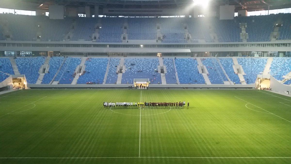 """На стадионе """"Крестовский"""" начался первый в истории матч"""