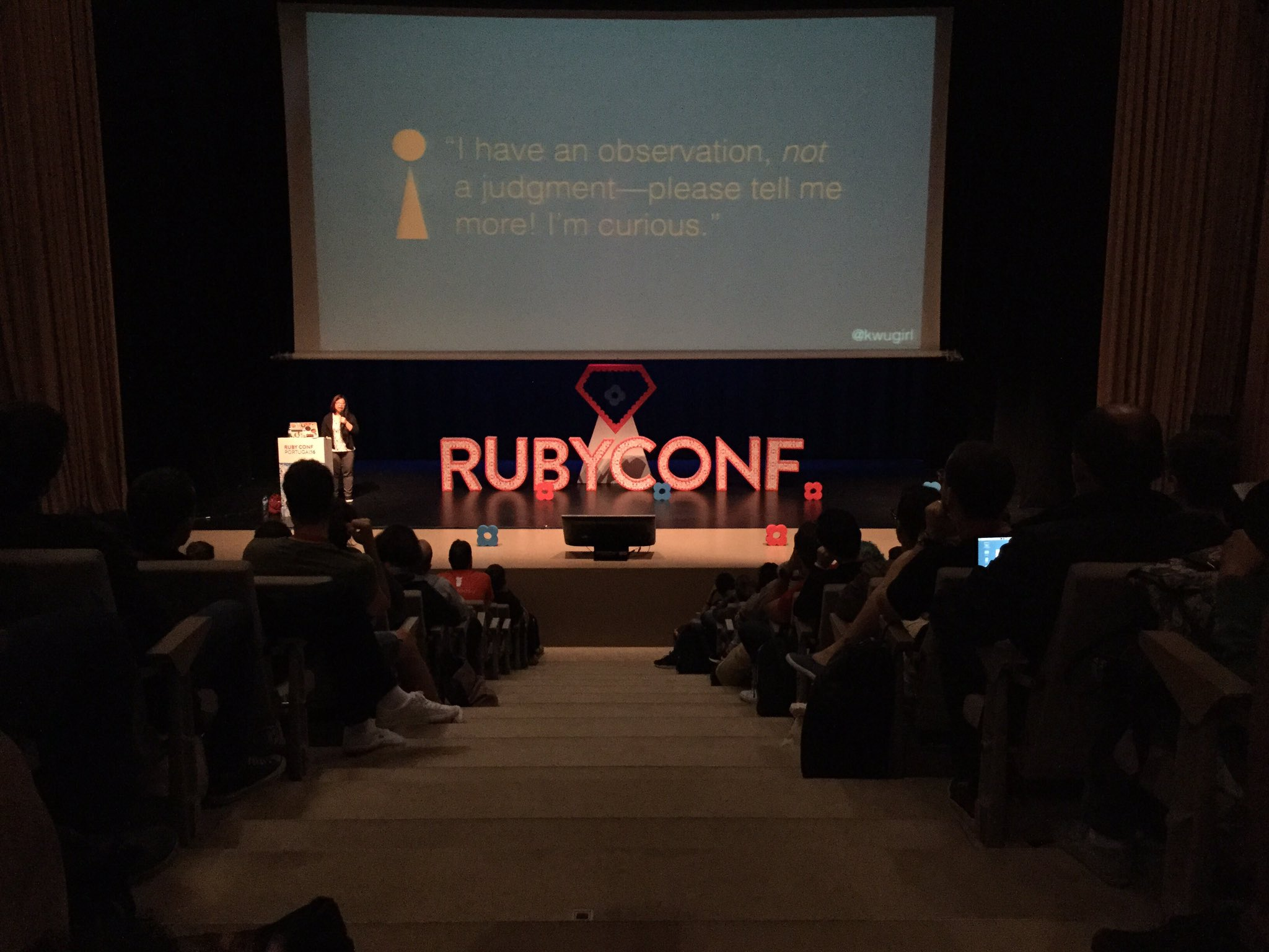Ask vs. Guess Culture Communication by @kwugirl at #rubyconfpt. https://t.co/s43BEkJCOX