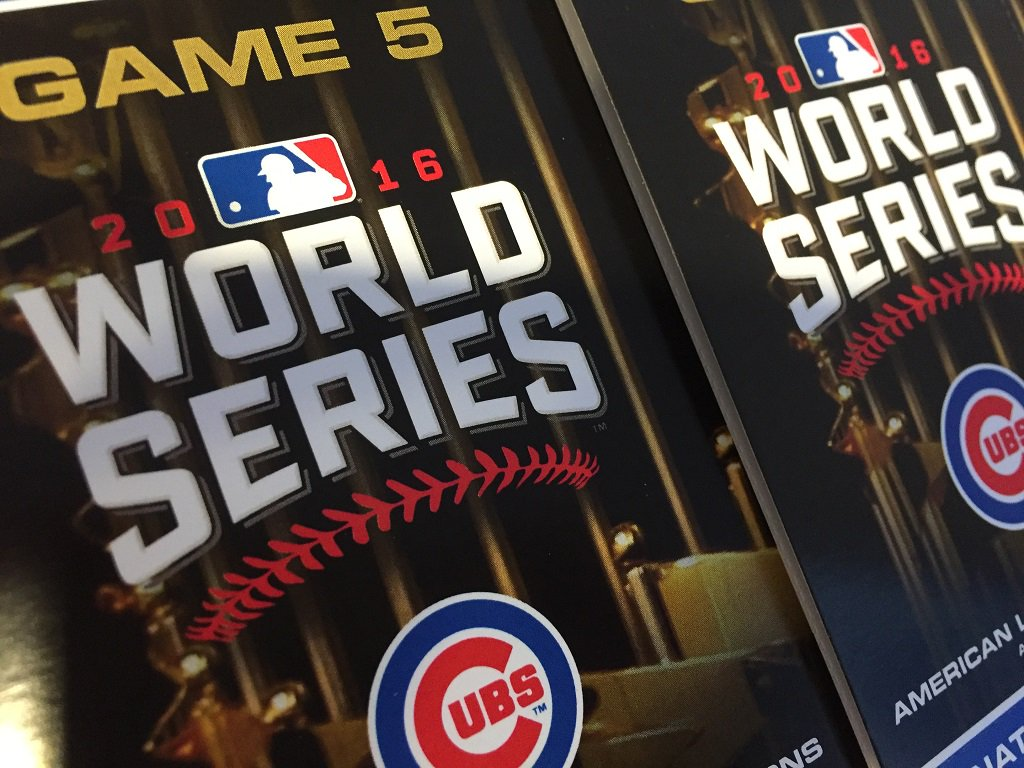 This is not a drill. RT for your chance to win tickets to #WorldSeries Game 5 at Wrigley Field. #FlyTheW https://t.co/KNU84hKO3z