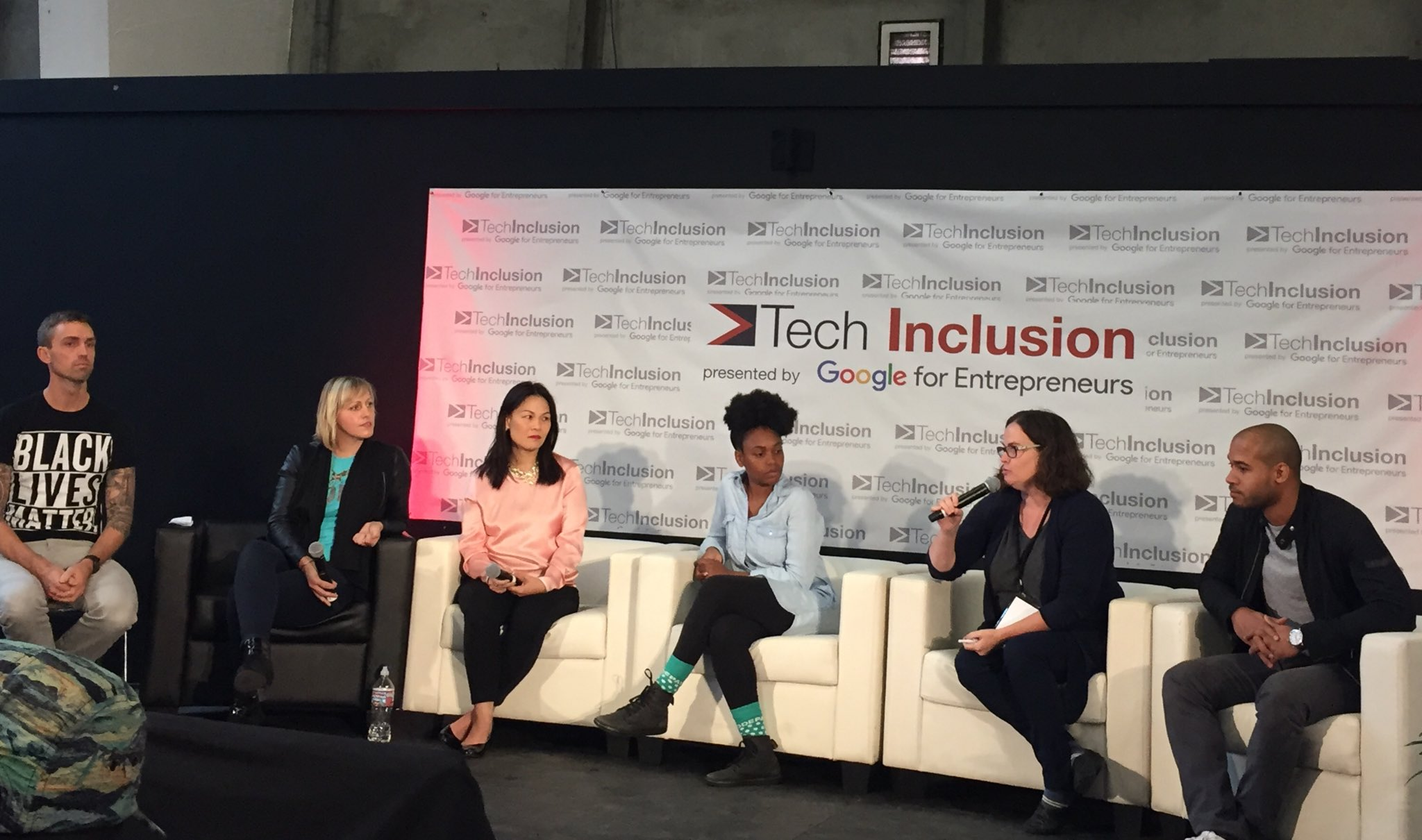 Everyone has the opportunity to make a difference. #TechInclusion16 #CSforAll #inclusion #learntocode https://t.co/etkGPOeBcH
