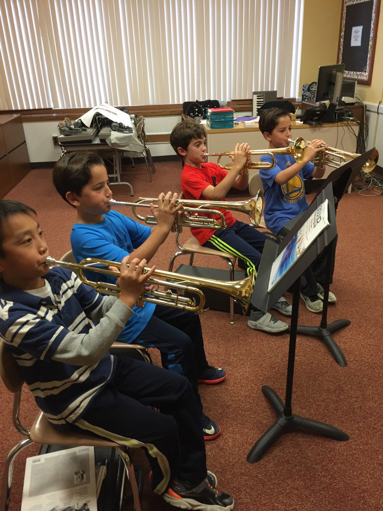 So proud of our 4th grade trumpet players 🎶🎶 #seamanstrength https://t.co/HlsKoWBvab