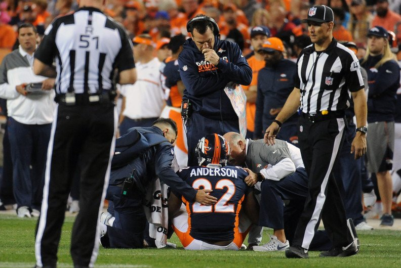 Broncos RB C.J. Anderson to undergo knee surgery for right torn meniscus