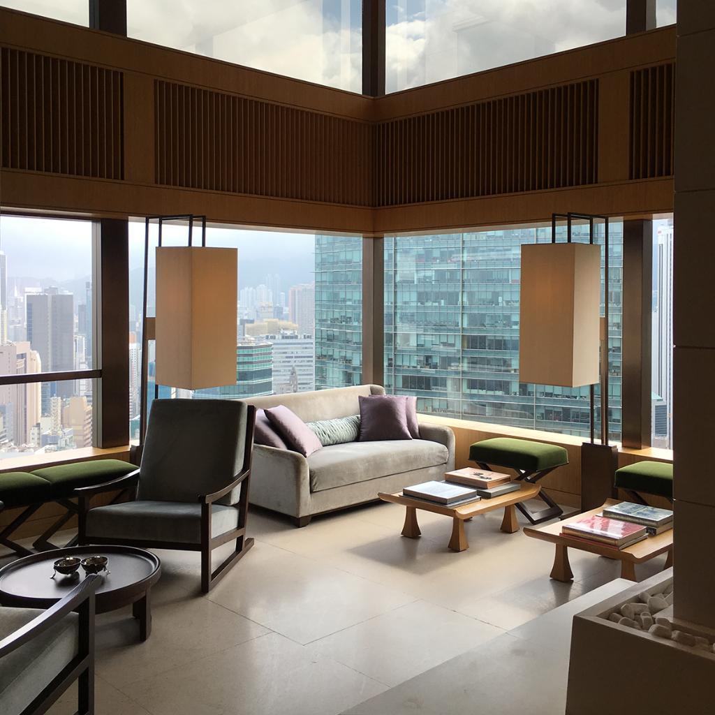 "What's @UpperHouse_HKG best feature? Head up to level six and experience its ""secret garden"" 🌿🙌🏼  #MRPORTERstylecouncil #HongKong https://t.co/hLxuWcWlAy"