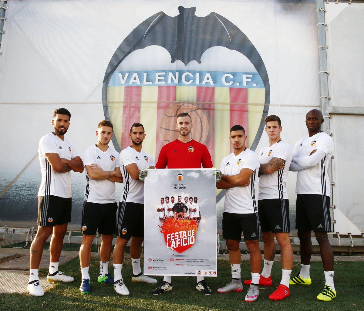 Hilo del Valencia C.F CvyfL7KWcAAW9za