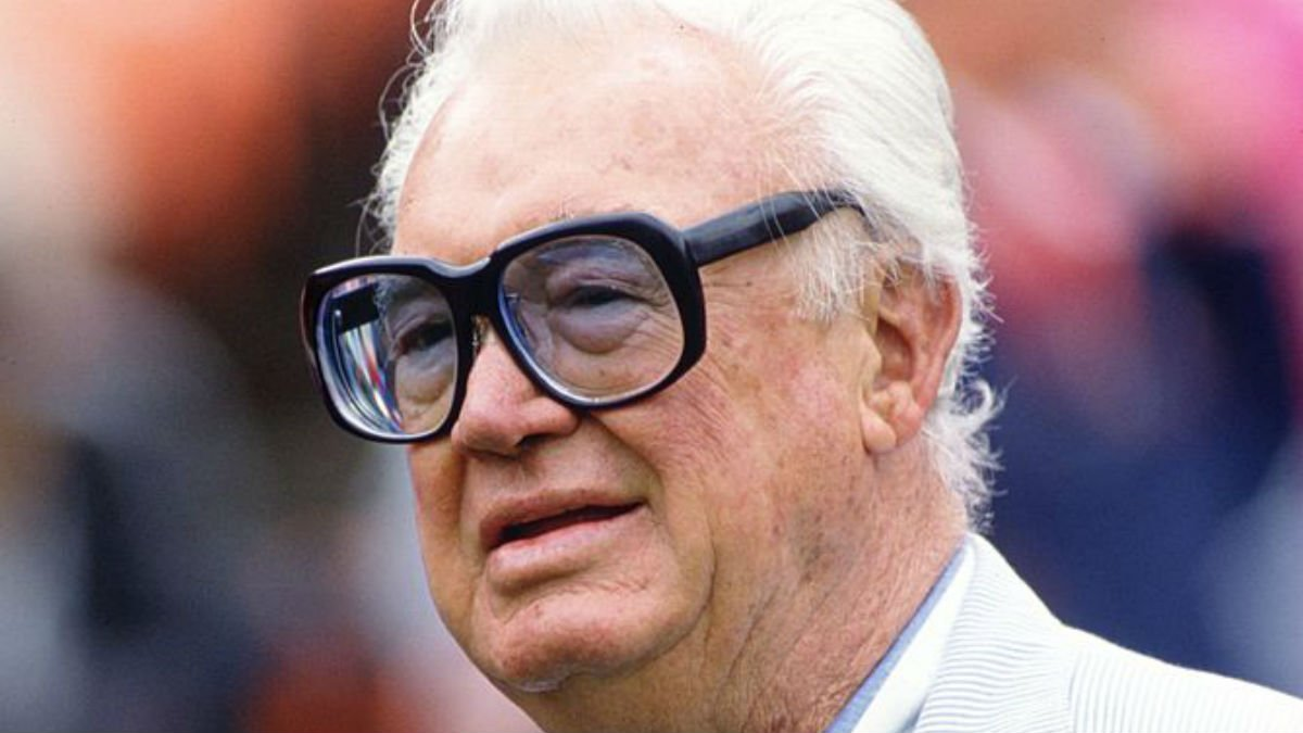 Harry Caray's gravesite decorated by excited Cubs fans