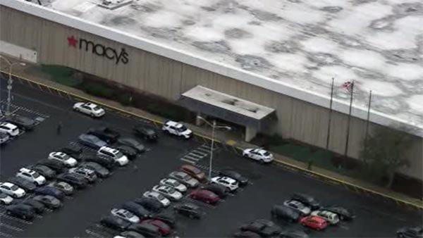 Police investigate smash and grab at Macy's store in NE Philly