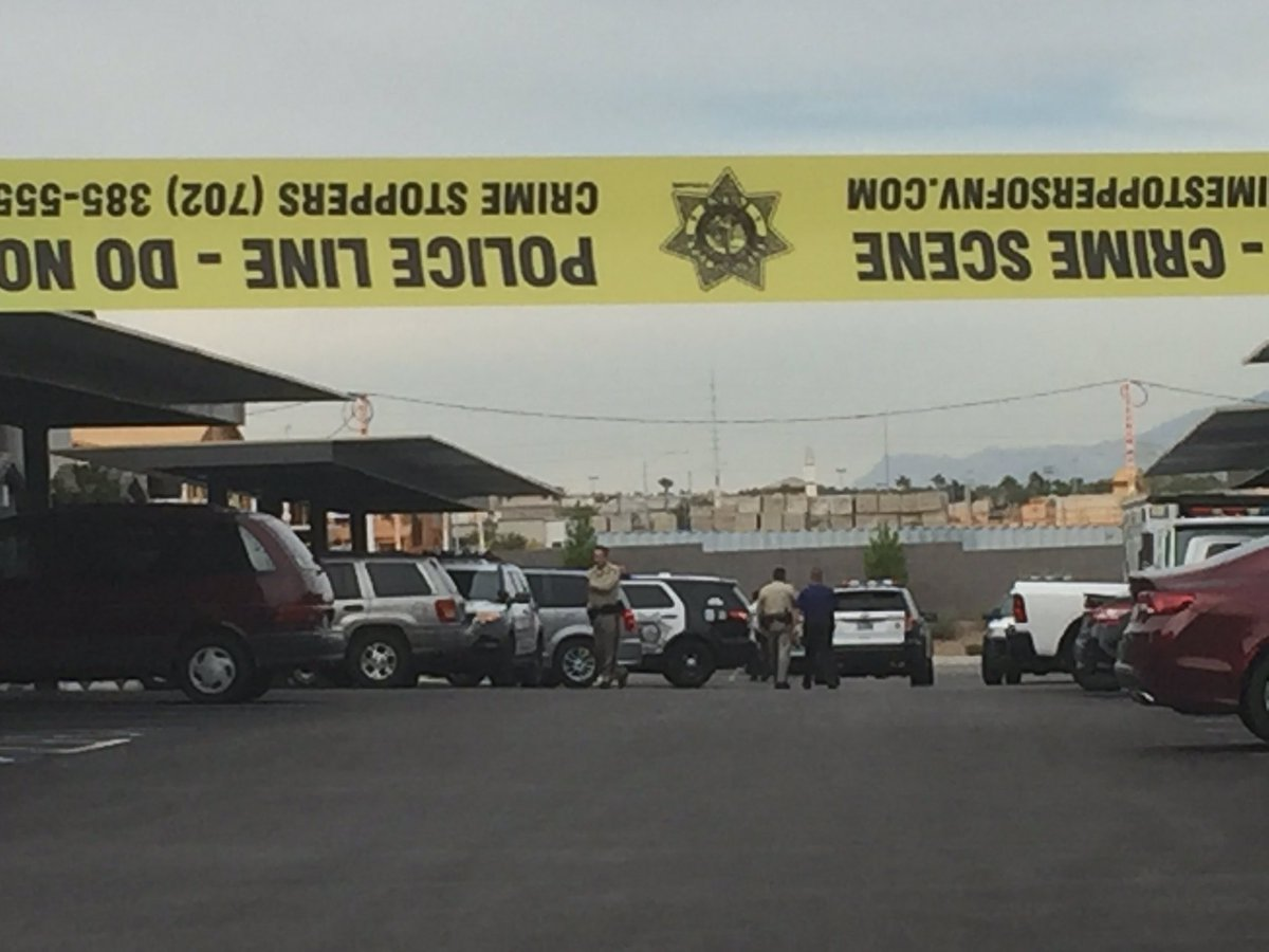 Active crime scene inside Summerlin apartment complex. Police looking for clues. @News3LV