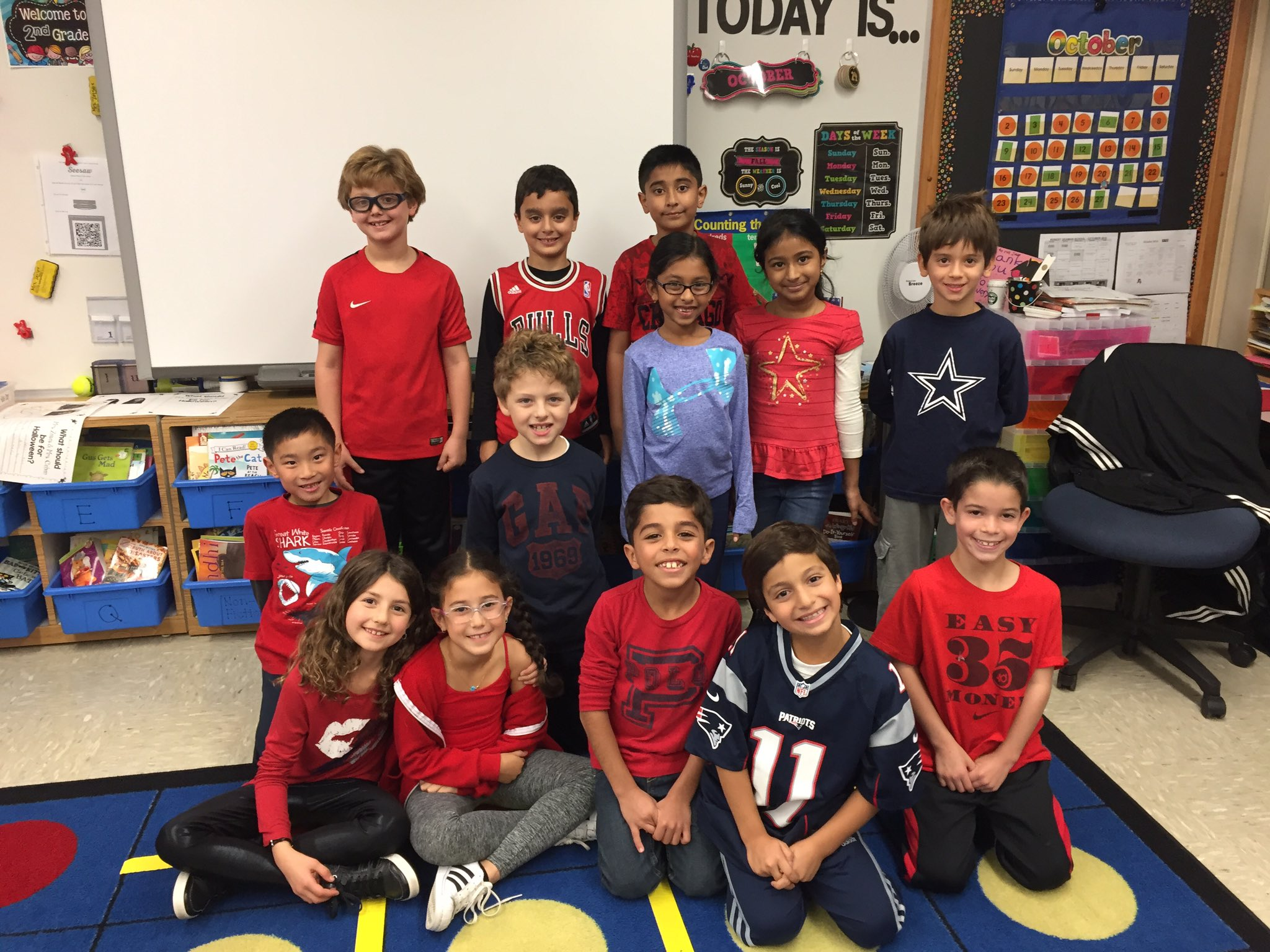 Ss wearing red in support of Red Ribbon Week🎀Smart Choices, Good Decisions = Healthy Living❤️@Ivysherman @AcohenAllie #seamanstrength #2ZC https://t.co/96TFvsWnkr