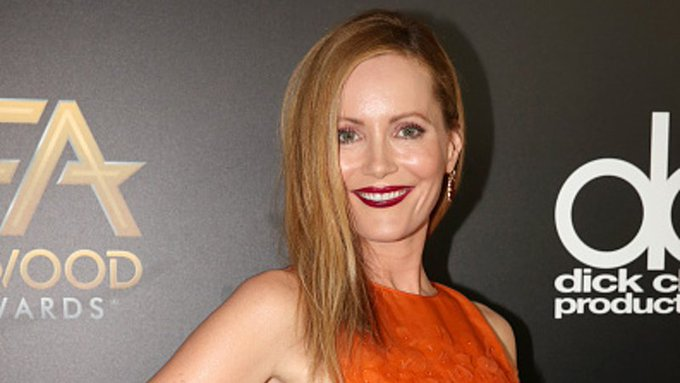 Get the Look: Leslie Mann's Sunset Dress - ootd fashion
