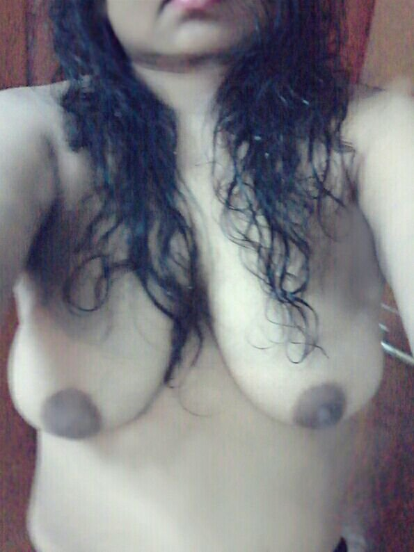 Nude Selfie 9461