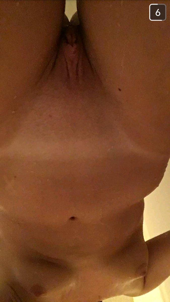 Nude Selfie 9474