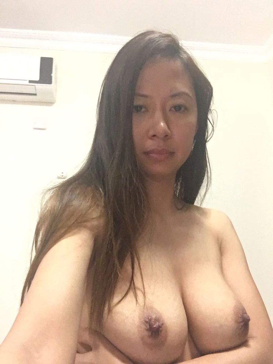 Nude Selfie 9344