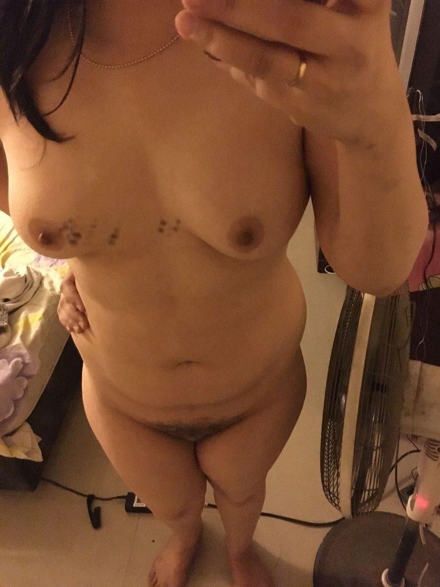 Nude Selfie 9359