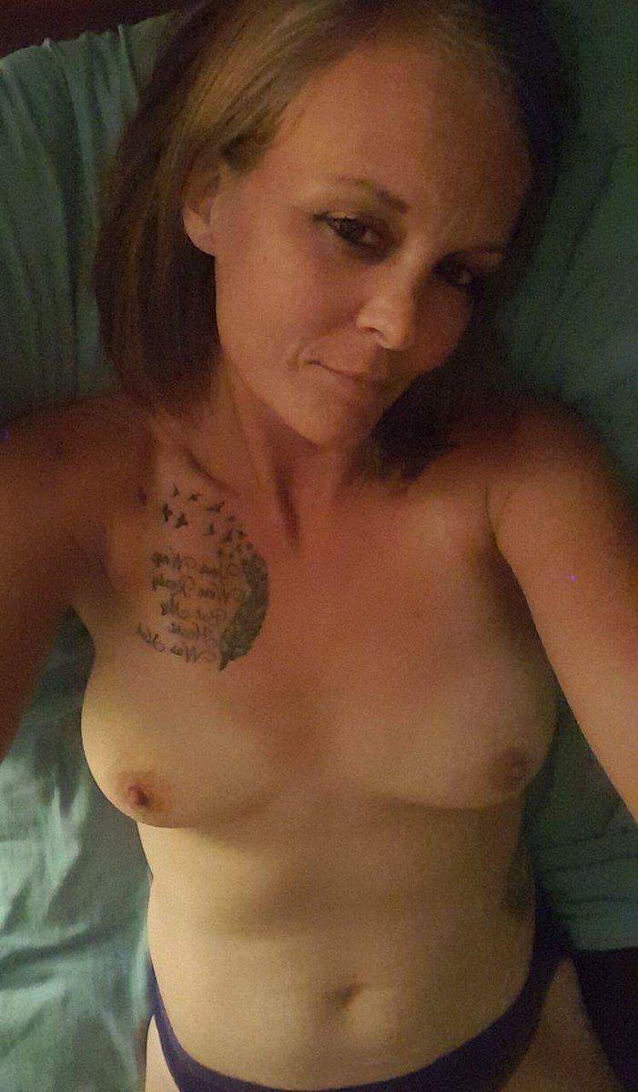 Nude Selfie 9379