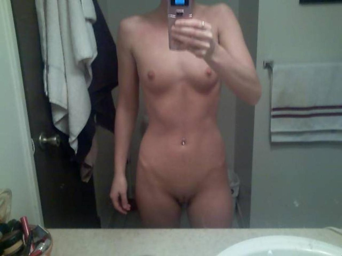 Nude Selfie 9383