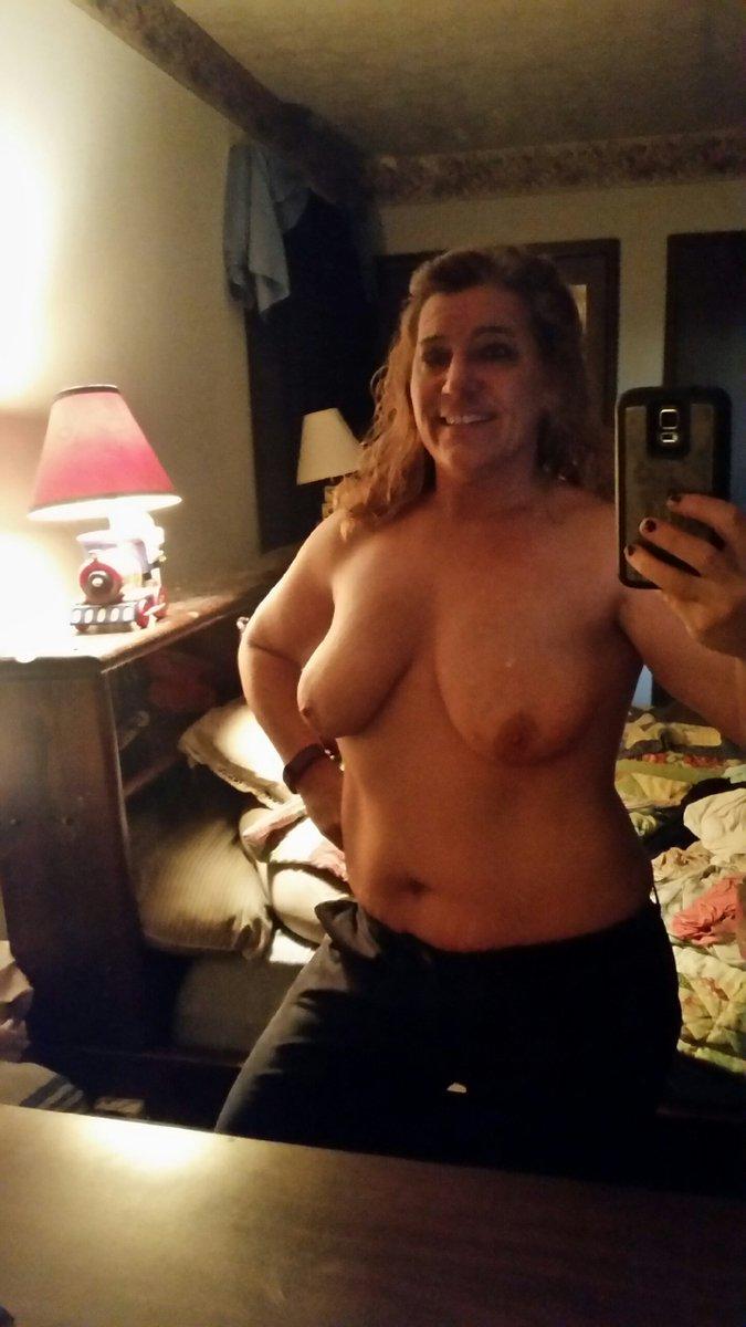 Nude Selfie 9401