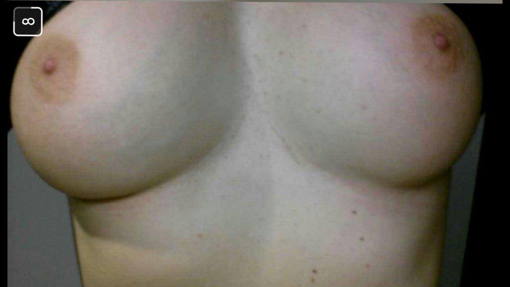 Nude Selfie 9430