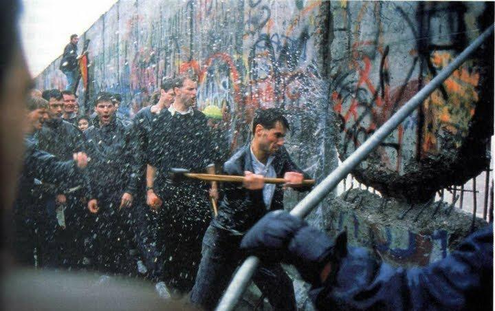 Radio Educación A Twitter Un 9 De Noviembre Pero De 1989 Se Derribó El Muro De Berlín Que Dividía A Alemania En Dos Países