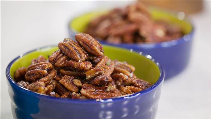 Turn pecans into a snack and dessert! ://