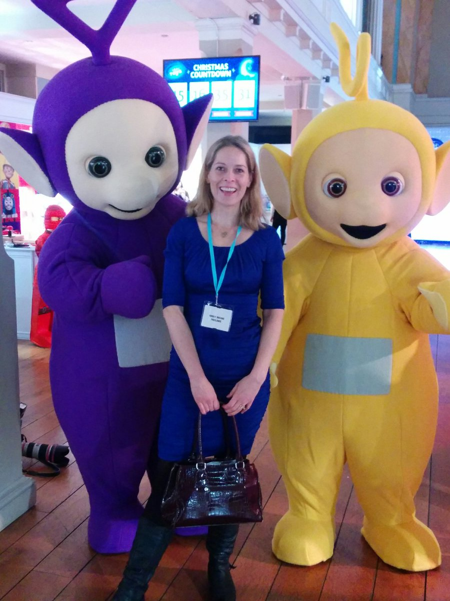 I'm pretty sure Tinky Winky is eyeing up my handbag... #DreamToys16 https://t.co/BYP1HDPULR