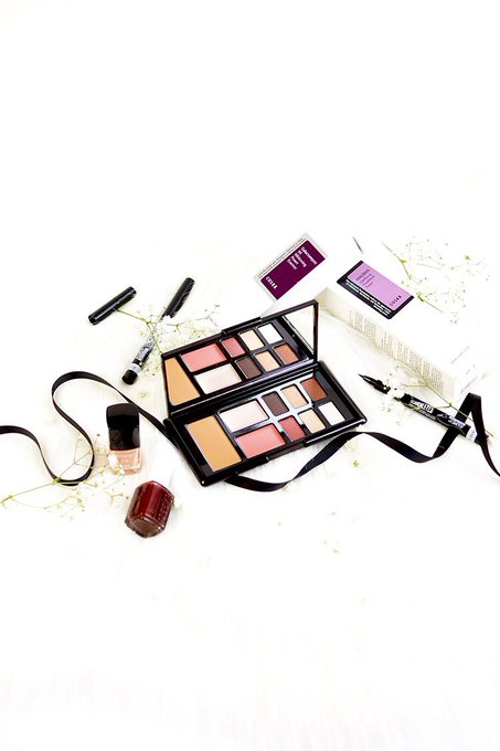 I've just entered to win these beauty goodies with Barely There Beauty! giveaway bbloggers lbloggers