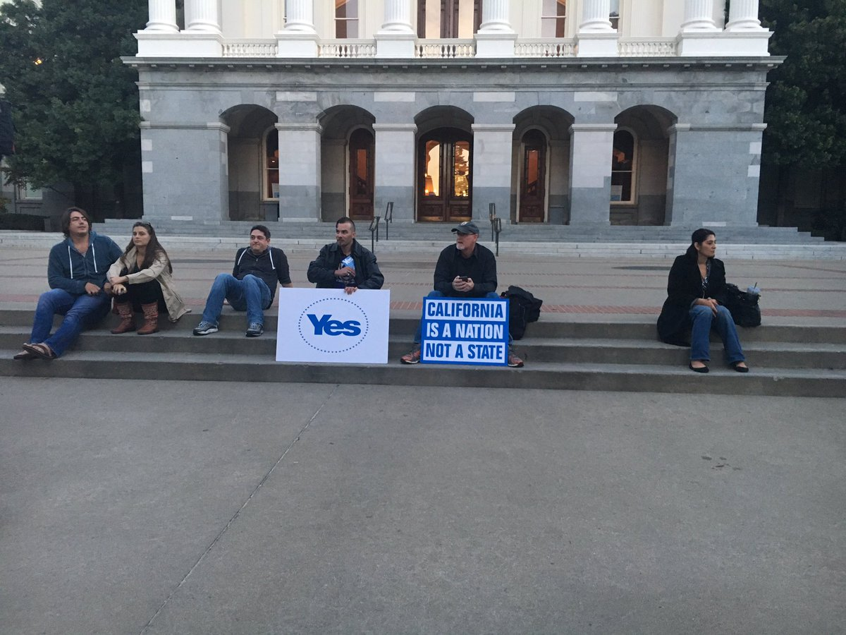 Members of the Yes California group protest at the state Capitol on Nov. 9. (Sophia Bollag / Los Angeles Times)