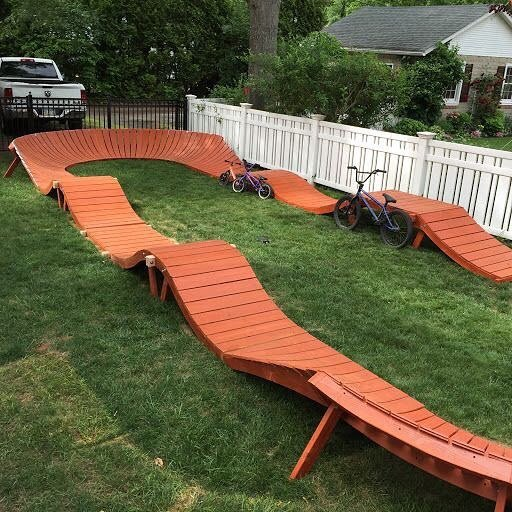 WANT! pumptrack backyard track bmx bike bikepark steezy diy