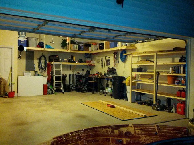DIY (Cheap) Garage Shelves DIY