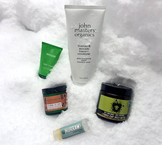 Did someone say winter essentials? snow bbloggers greenbeauty skincare