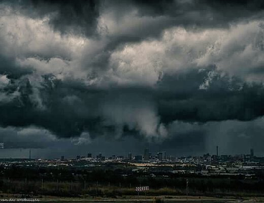 Photo of the mega-storm that hit Johannesburg yesterday https://t.co/o9EbwF1c4l