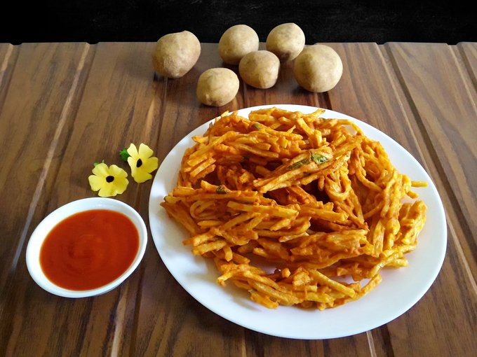 Potato Pakoda - A tasty snack (Vegan) ://