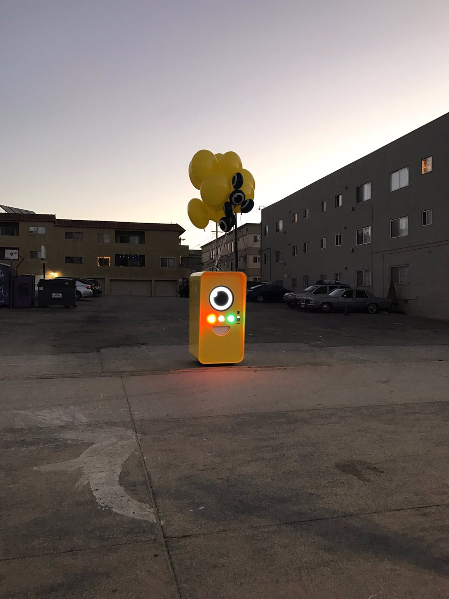 Snapchat is selling its Spectacles via these crazy-looking vending machines