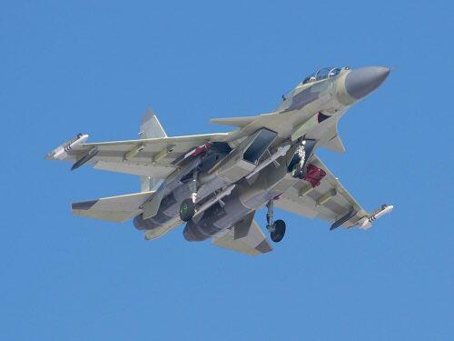 الجزائر توقع عقدا مع روسيا لشراء 14 مقاتله اضافيه نوع  Su-30 MKA  Cw6X35fWIAUjv3-