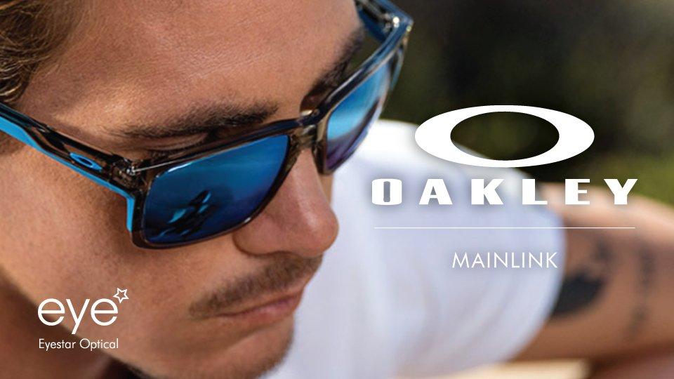 166b937c5ca  Oakley  Mainlink  comfortably secure fit