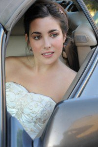The best way to manage hiring 2 different makeupartists for your weddingday bbloggers