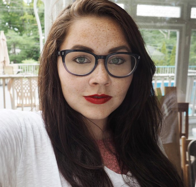 I share some tips for makeup for glasseswearers bbloggers lbloggers fblchat makeup
