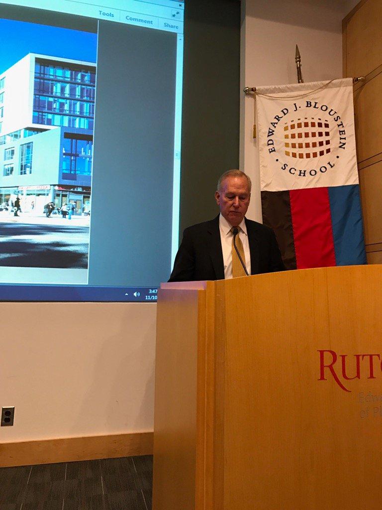 Mayor Cahill giving a Revolutionary talk at Rutgers #Rutgers250  #newbrunswick https://t.co/vBLVGqcscz