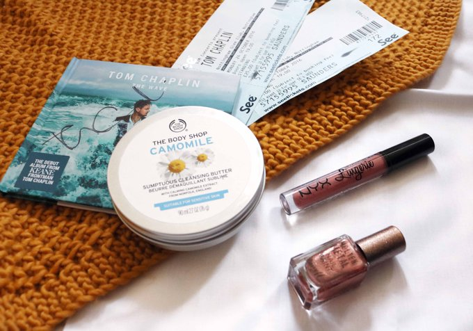 October Favourites BusyBloggers BusyBloggers FemaleBloggerRT blogginggals bbloggers