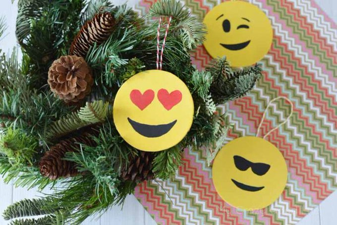 Super easy DIY Emoji Ornaments emoji craft