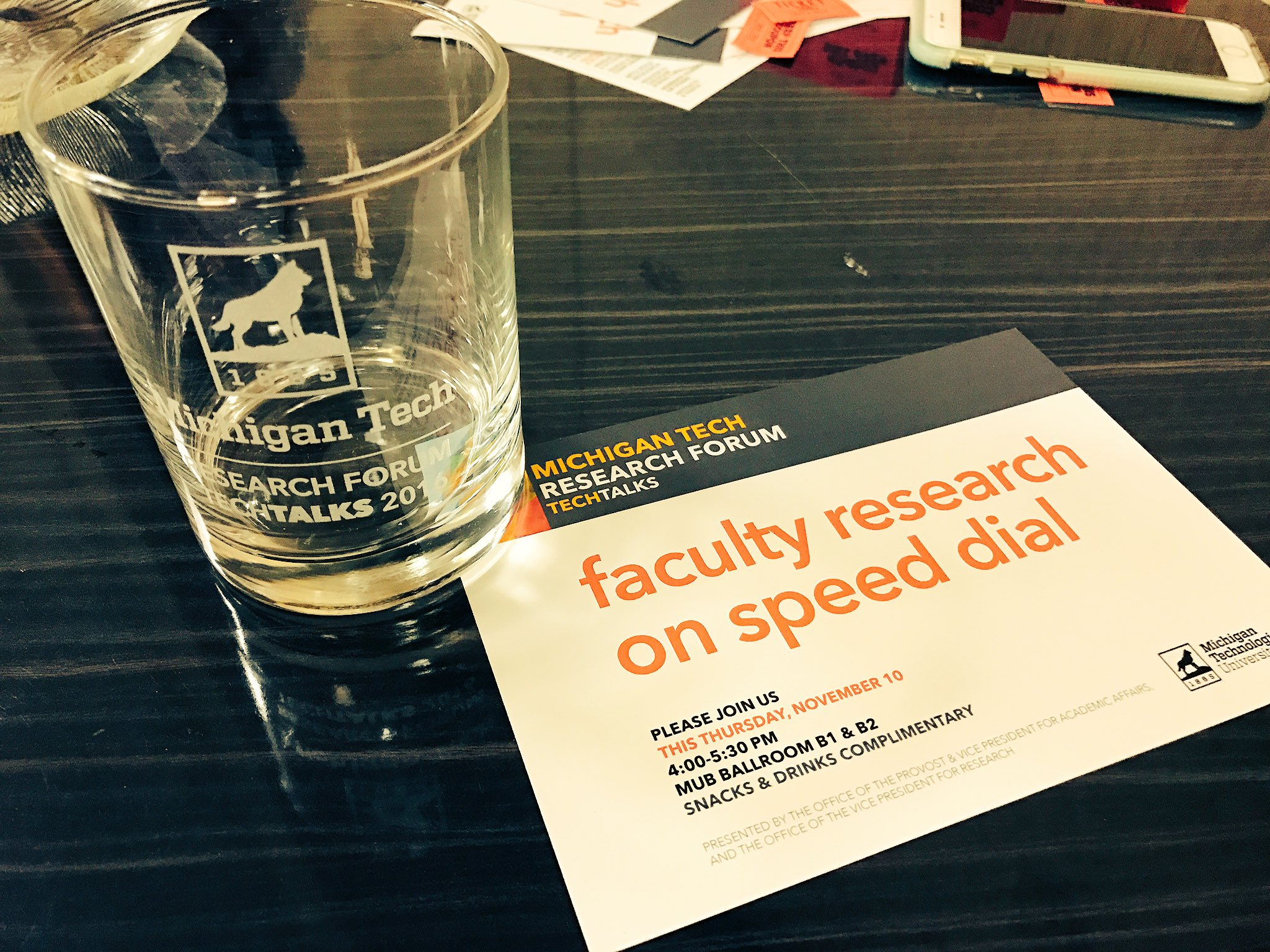 And the reward for presenting for #MTUResearchForum, a very nice cup. Nice work, presenters! That went by fast. https://t.co/XQaPlaJkl9