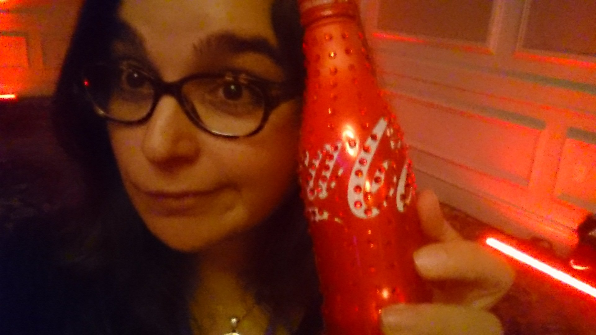Last week at the #Blogalicious8 @CocaCola Welcome Party, I was oohhing and ahhing the bedazzled #Coke bottle. #SHINY #ContentIsLife https://t.co/AFLTciuVkM