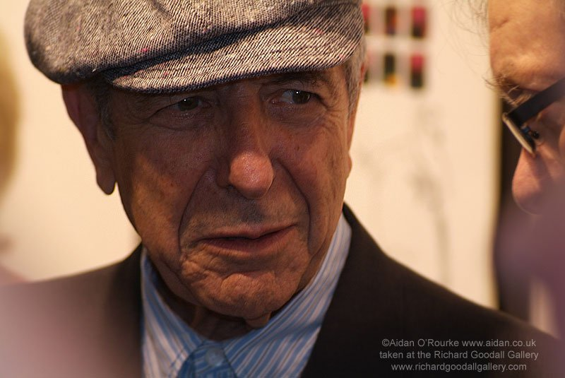 I photographed Leonard Cohen 8 July 07 when he visited Manchester for his @rgoodallgallery exhibition. On the right is Tony Wilson. https://t.co/bQMYVuxIHx