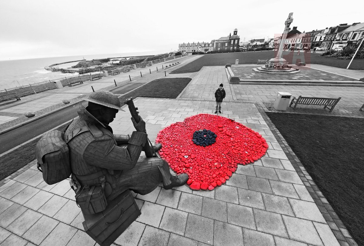 1000,s of painted pebbles sit @ the feet of Tommy #seaham ready for 2d...