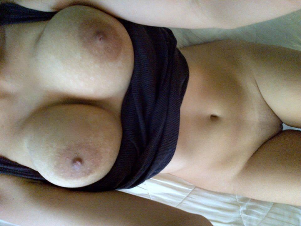 Nude Selfie 9125