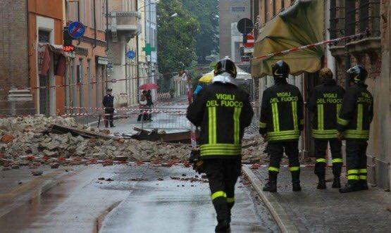 Terremoto: Conapo, per Vigili Fuoco meno medaglie, chiediamo pari dignità altri corpi