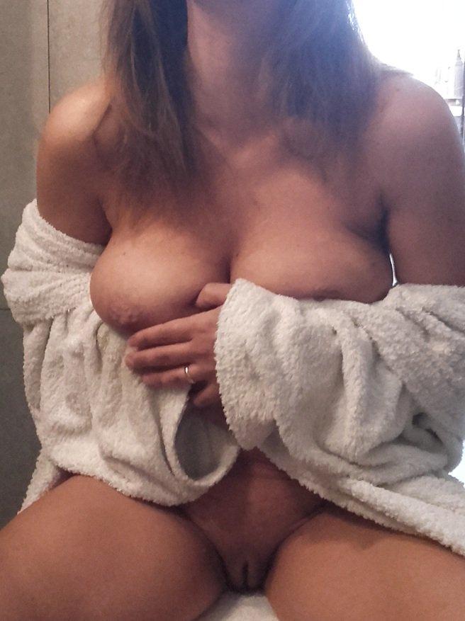 Nude Selfie 9147