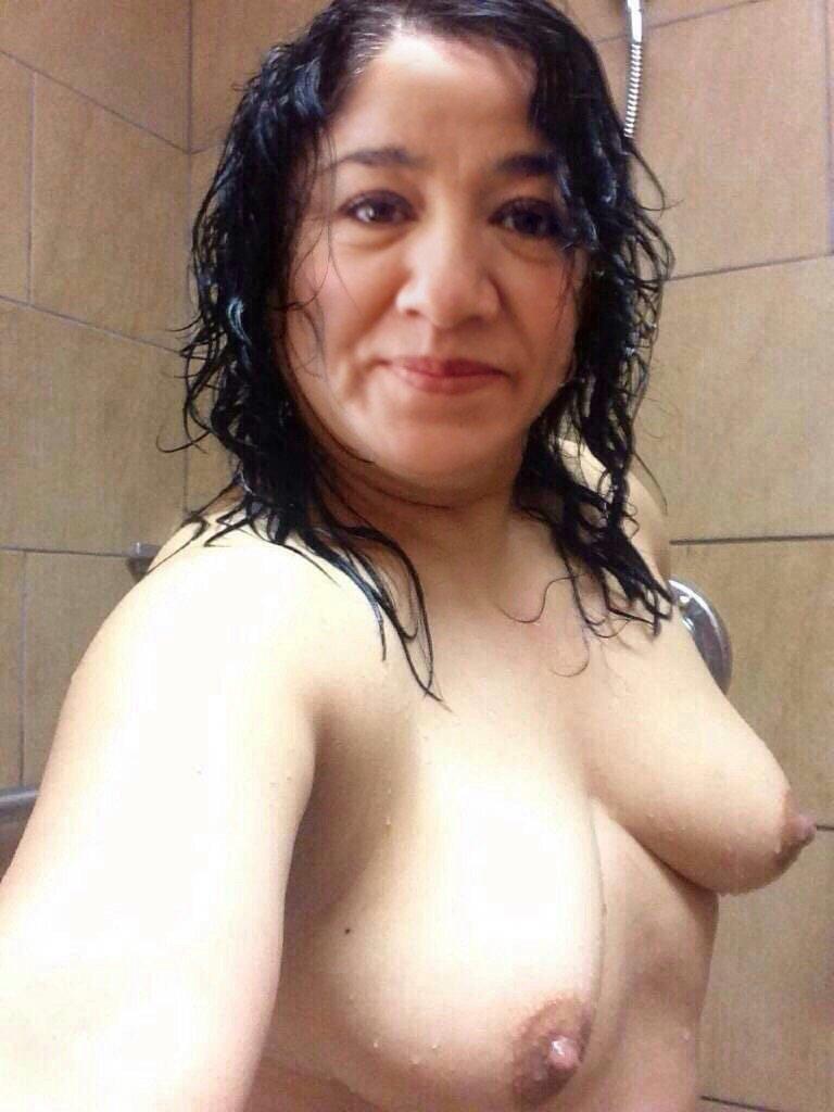 Nude Selfie 9165