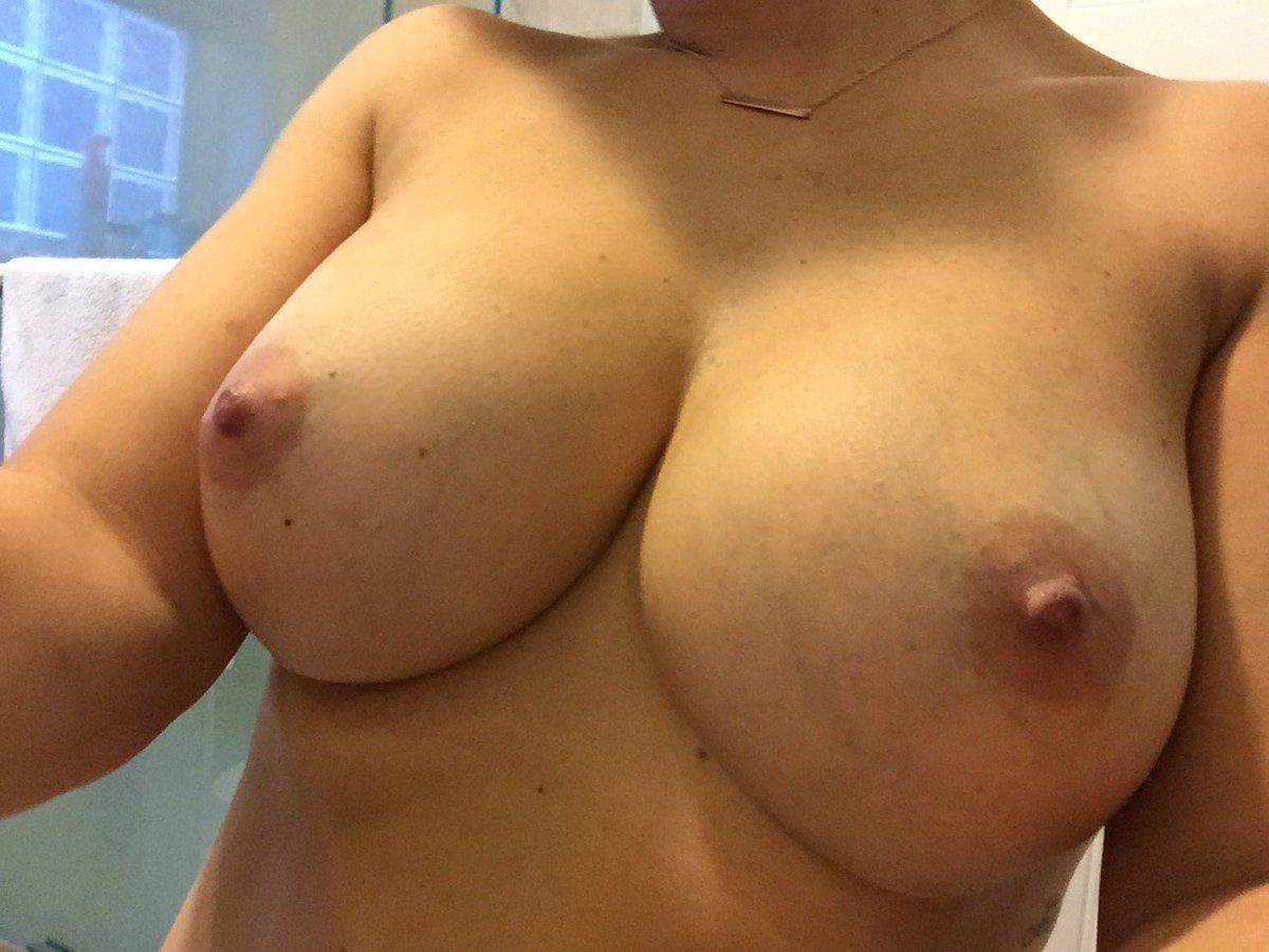 Nude Selfie 9167
